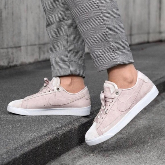 huge discount 967a7 f421d Nike Blush Pink Blazer Low LX Sneakers